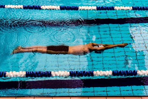 イタリア語-できる-泳ぐ