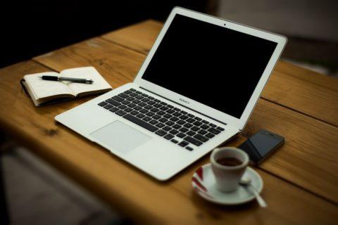パソコン-Mac-コーヒー-ノート-勉強
